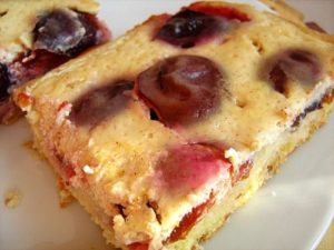 Plum_coffeecake_cinnamon_sour_cream
