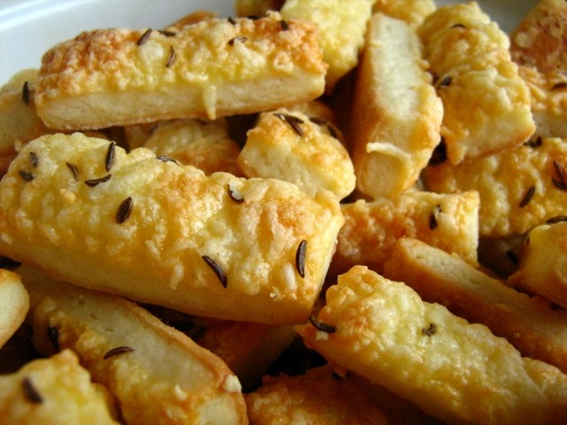 Salty cheese straws