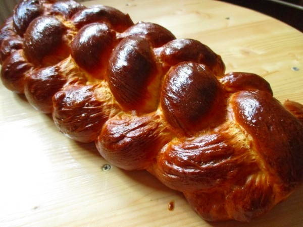 Hungarian braided sweet bread