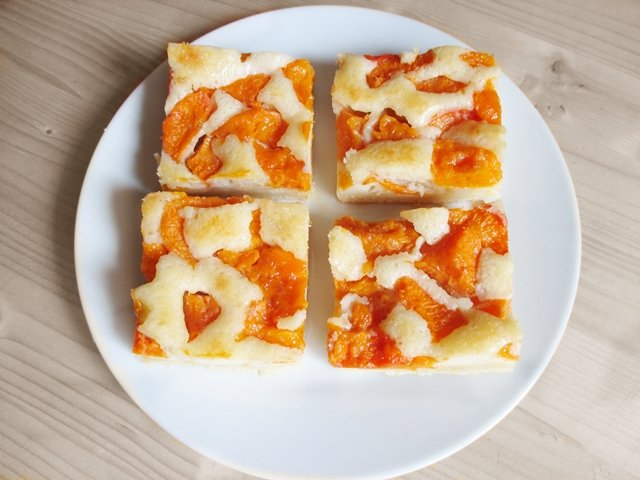 Apricot slices