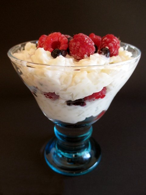 Rice pudding with fruits