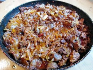Fried liver with onion