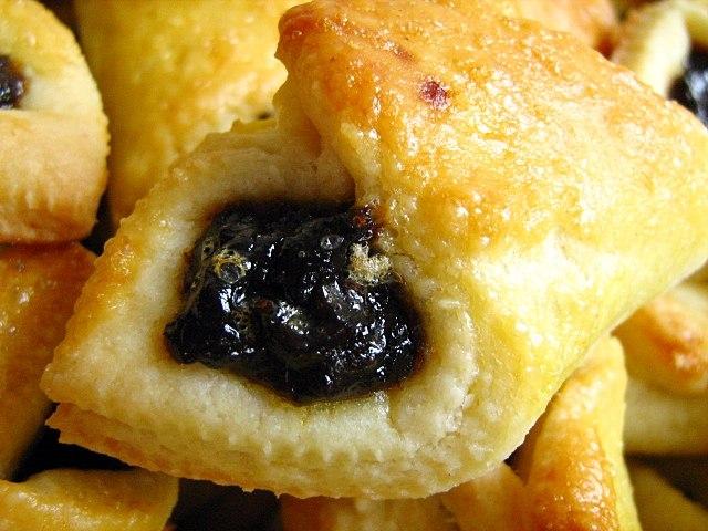 Hungarian plum jam biscuits