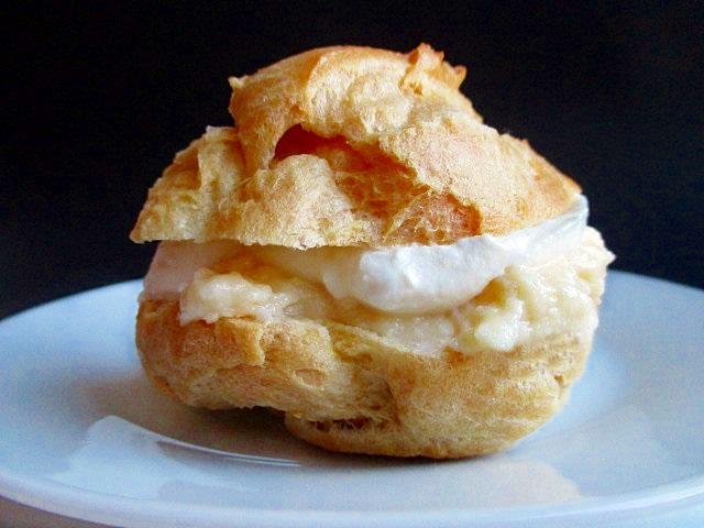 Hungarian cream puffs / Képviselőfánk