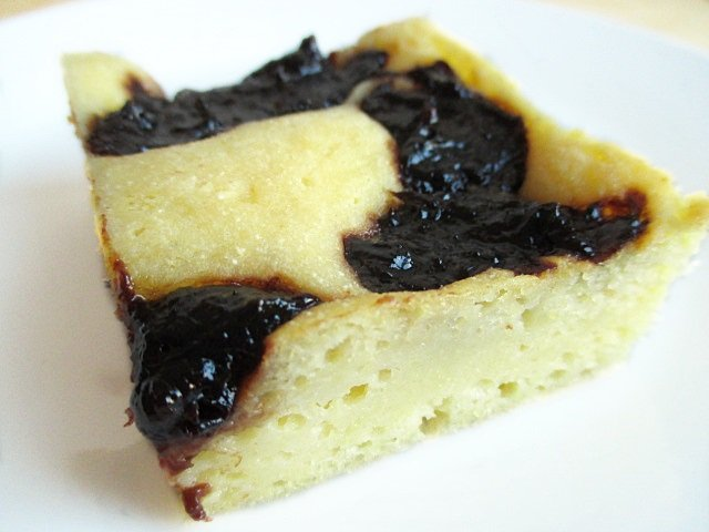 Corn meal squares with plum jam / Kukorica prósza