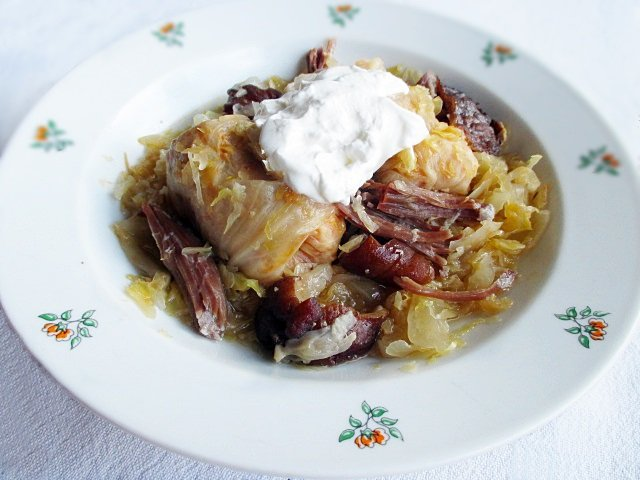 Transylvanian sour cabbage rolls