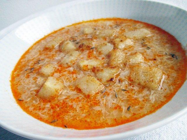 Caraway seed soup / Köménymagos leves