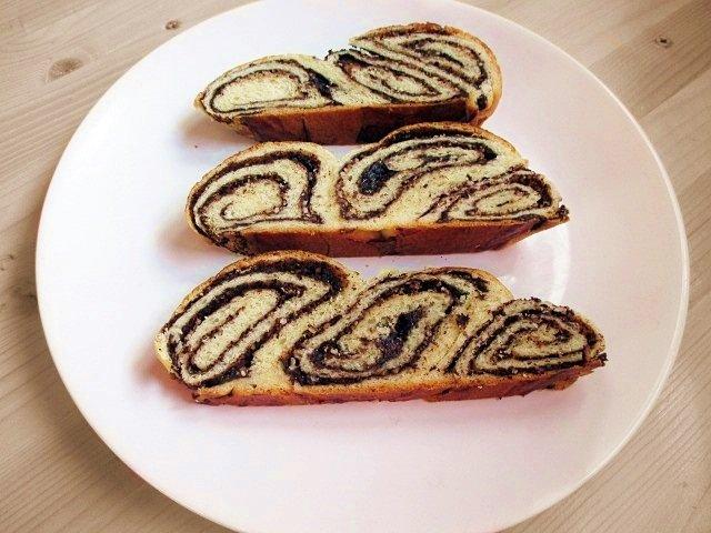 Chocolate-hazelnut sweet braided bread