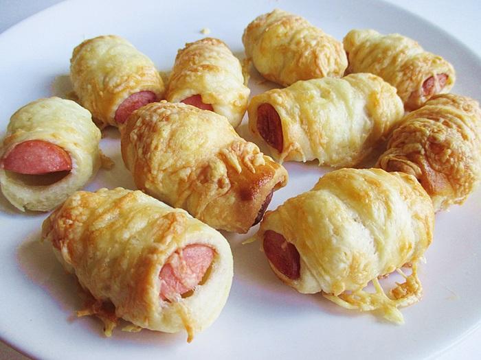 Frankfurter-rolls