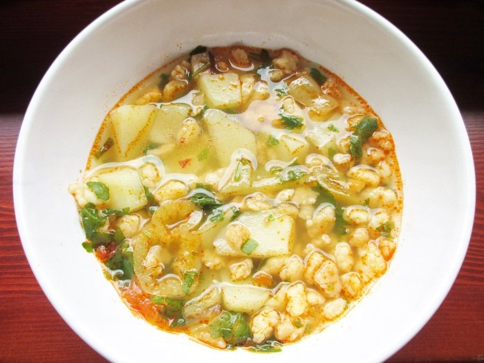 Hungarian egg barley soup / Tarhonyaleves