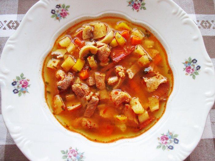 Bakonyi betyárleves - Bakony outlaw's soup