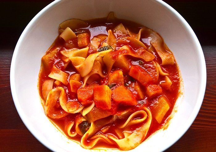 Tomato Ssoup with wide strip noodles