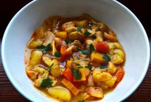 Knot noodle soup / Kötöttgaluska-leves