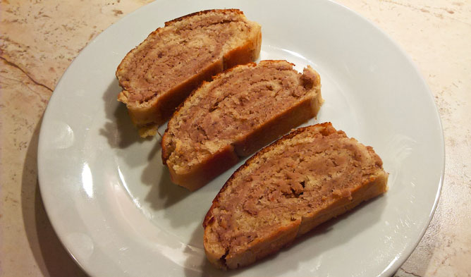 Beigli with chestnut filling