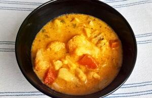 Creamy cauliflower soup with tarragon