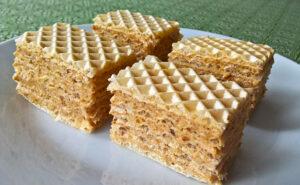 Wafers with walnut brittle cream